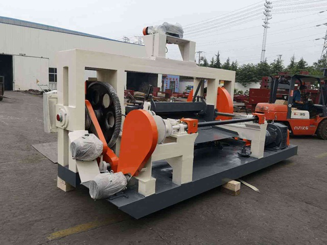 Advantages of spindle veneer peeling machine.