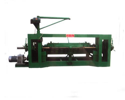 Shaftless veneer peeling machine