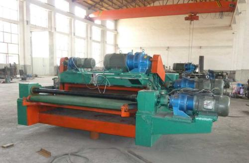 What is the structure and function of the Veneer peeling machine
