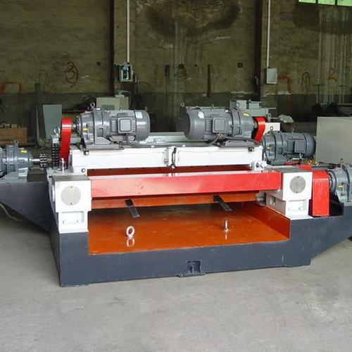 Cardless CNC veneer peeling machine adjusts the uniformity of veneer